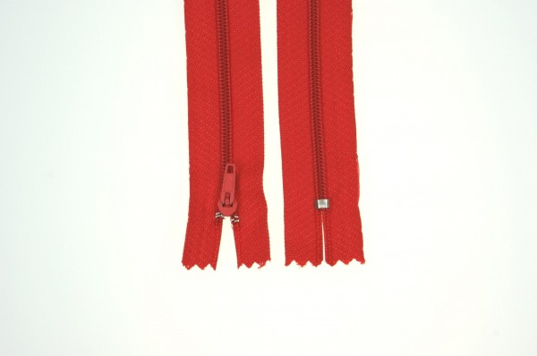 25 zippers 3mm - 22cm long - color: red